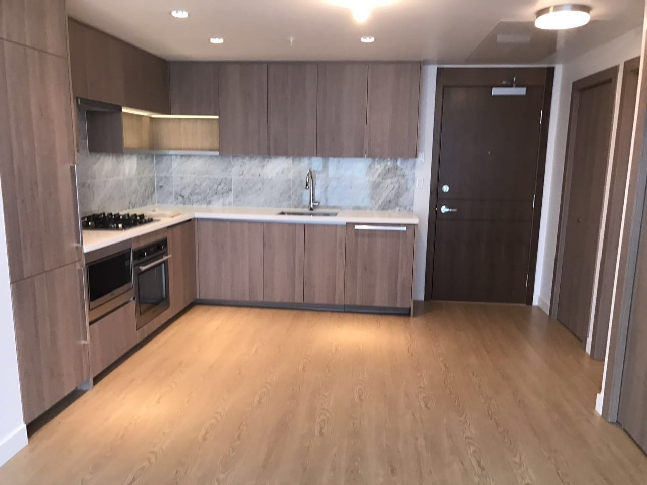 Condo Apartment at 502 6538 NELSON AVENUE, Unit 502, Burnaby South, British Columbia. Image 3