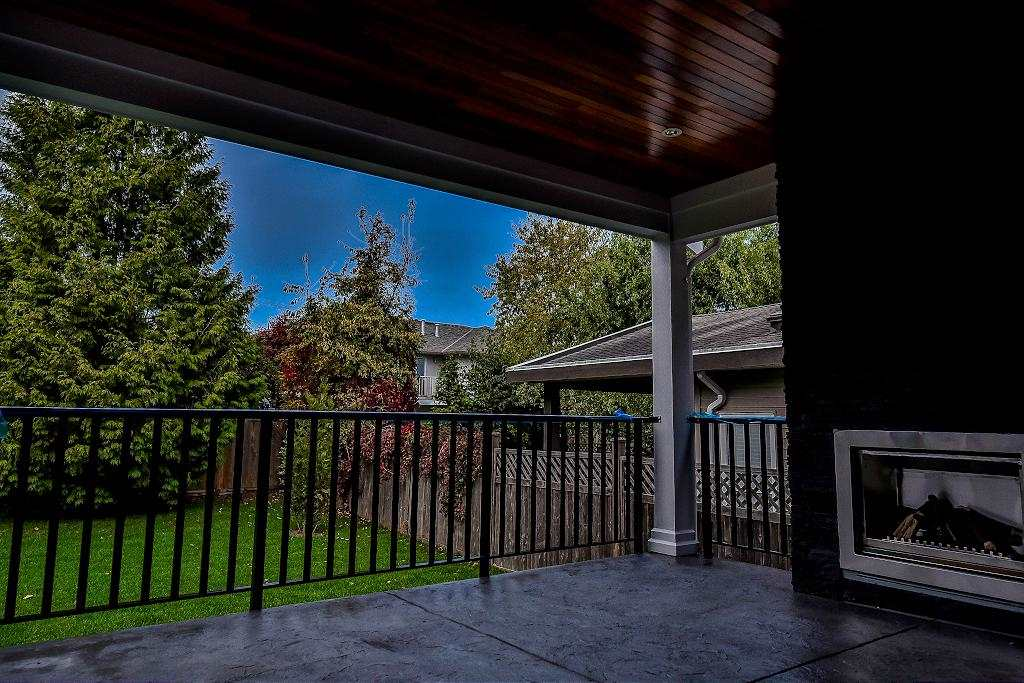 Detached at 15571 GOGGS AVENUE, South Surrey White Rock, British Columbia. Image 18