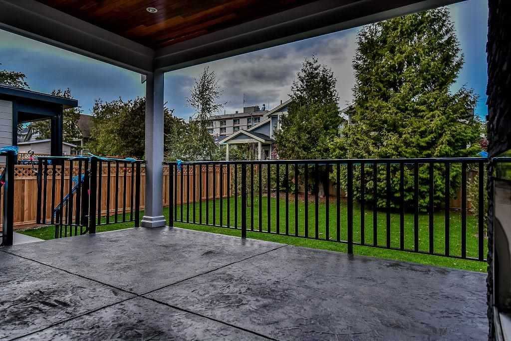 Detached at 15571 GOGGS AVENUE, South Surrey White Rock, British Columbia. Image 19