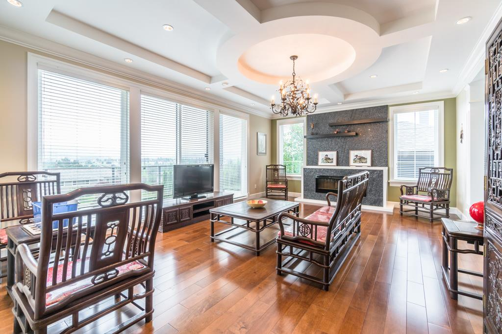 Detached at 4676 BURKE STREET, Burnaby South, British Columbia. Image 2