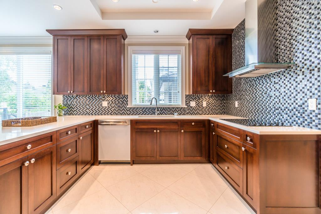 Detached at 4676 BURKE STREET, Burnaby South, British Columbia. Image 5