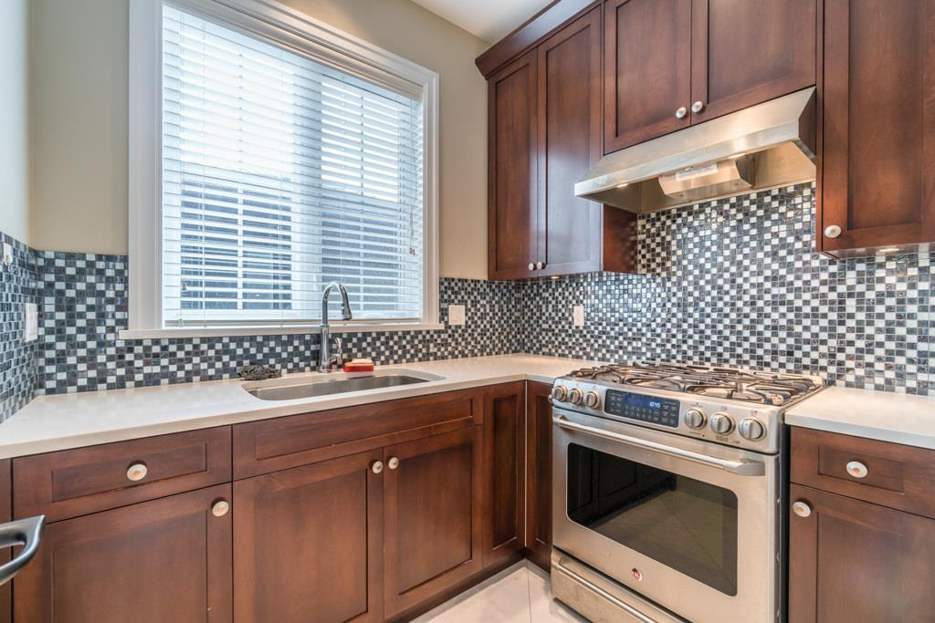Detached at 4676 BURKE STREET, Burnaby South, British Columbia. Image 6