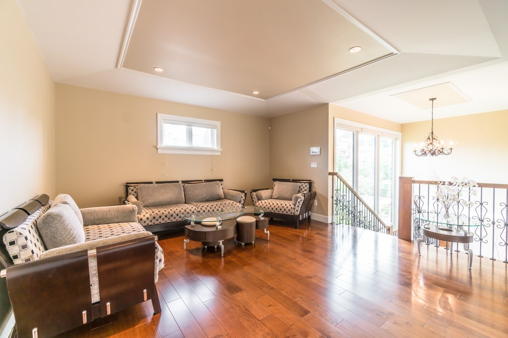 Detached at 4676 BURKE STREET, Burnaby South, British Columbia. Image 7