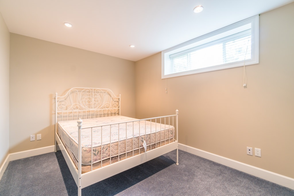 Detached at 4676 BURKE STREET, Burnaby South, British Columbia. Image 15