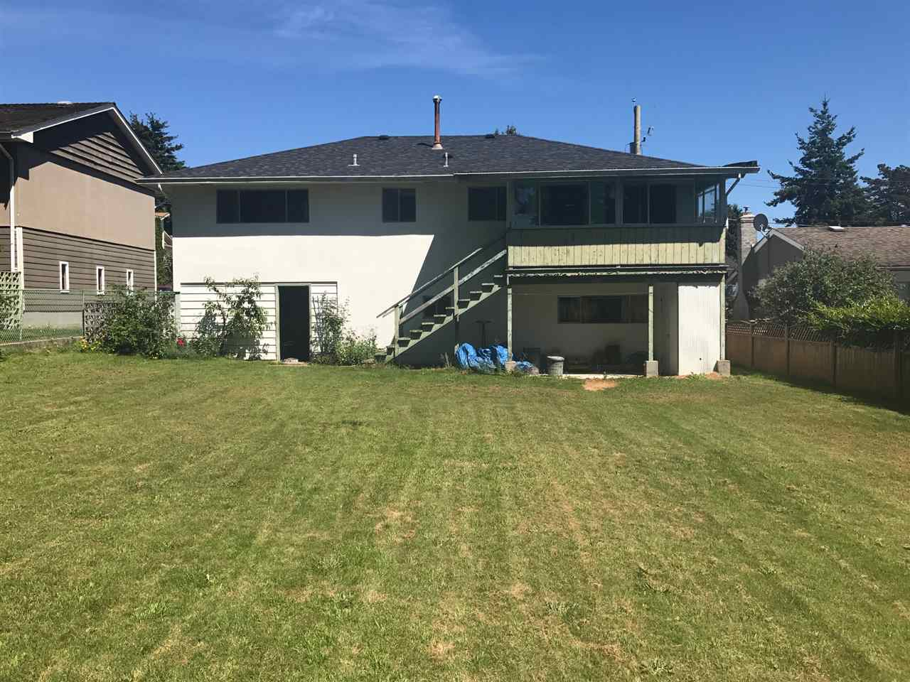 Detached at 1541 CHESTNUT STREET, South Surrey White Rock, British Columbia. Image 2