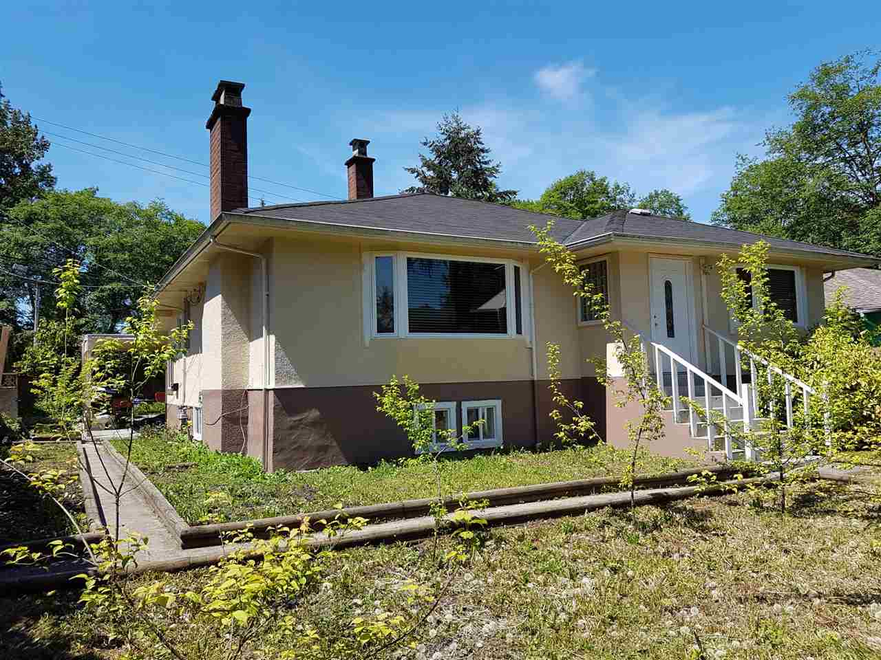 Detached at 4843 WILLINGDON AVENUE, Burnaby South, British Columbia. Image 2