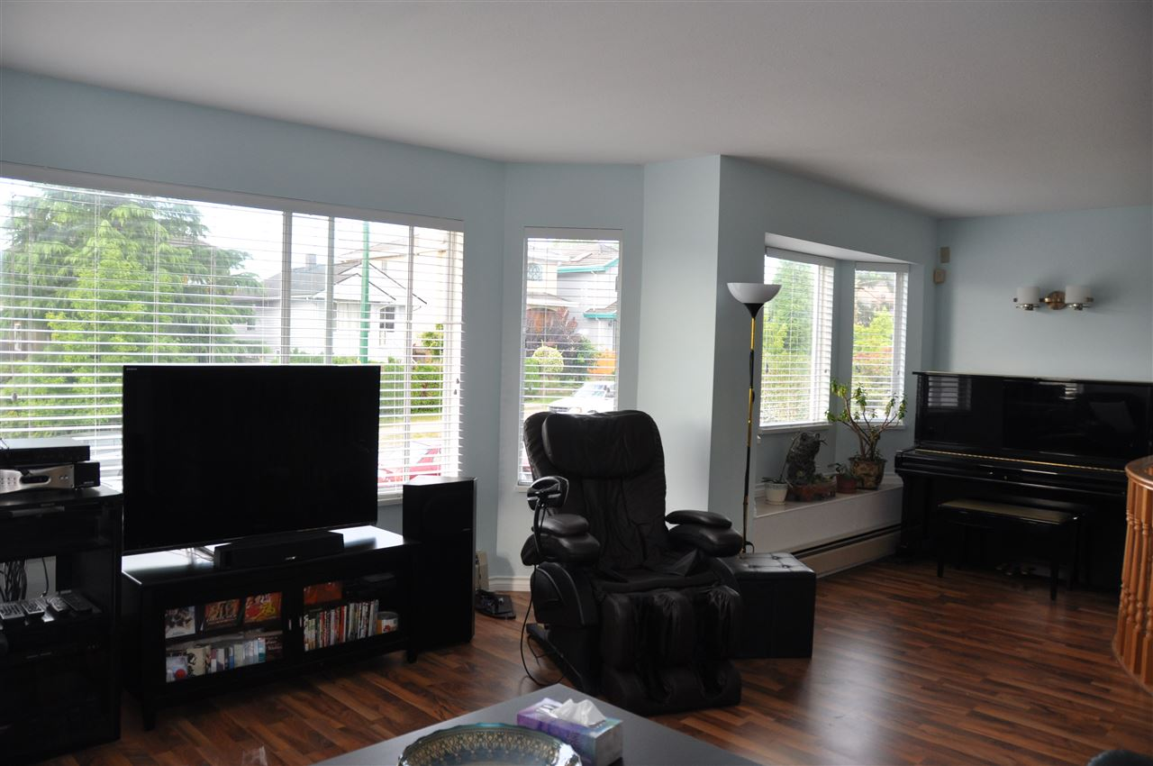 Detached at 4223 OXFORD STREET, Burnaby North, British Columbia. Image 2