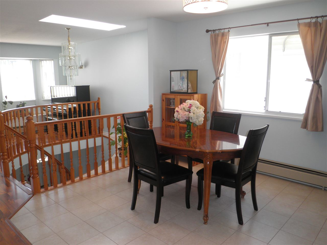 Detached at 4223 OXFORD STREET, Burnaby North, British Columbia. Image 4