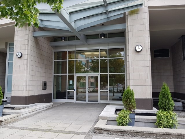 Condo Apartment at 3204 2968 GLEN DRIVE, Unit 3204, Coquitlam, British Columbia. Image 1