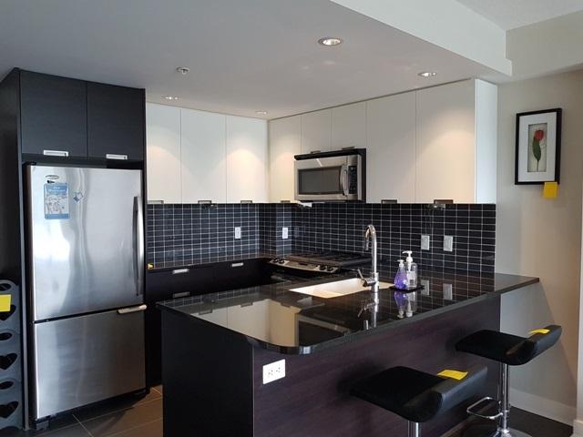 Condo Apartment at 3204 2968 GLEN DRIVE, Unit 3204, Coquitlam, British Columbia. Image 2