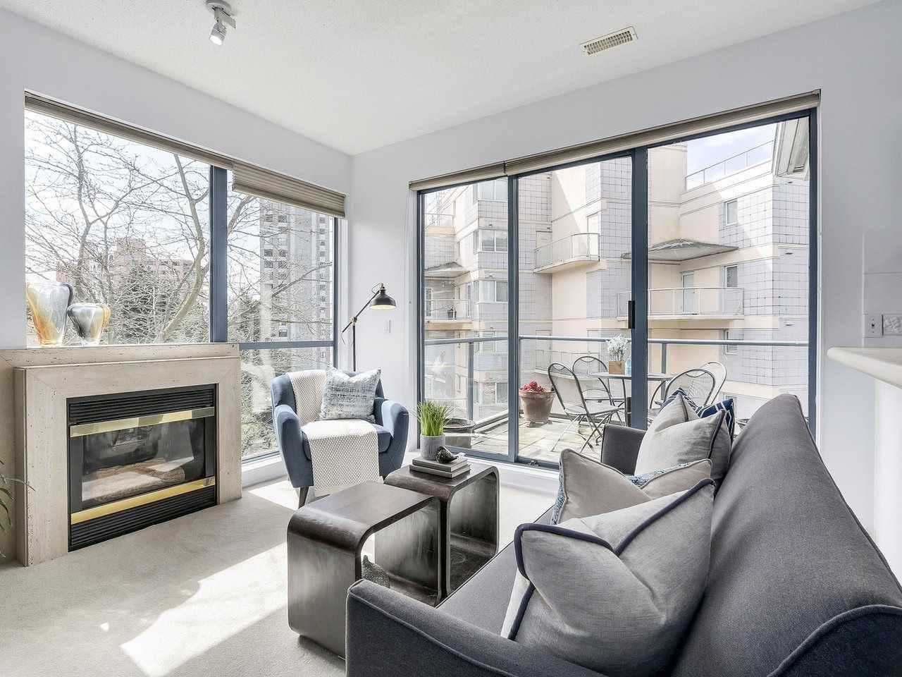 Condo Apartment at 301 2242 MARINE DRIVE, Unit 301, West Vancouver, British Columbia. Image 2