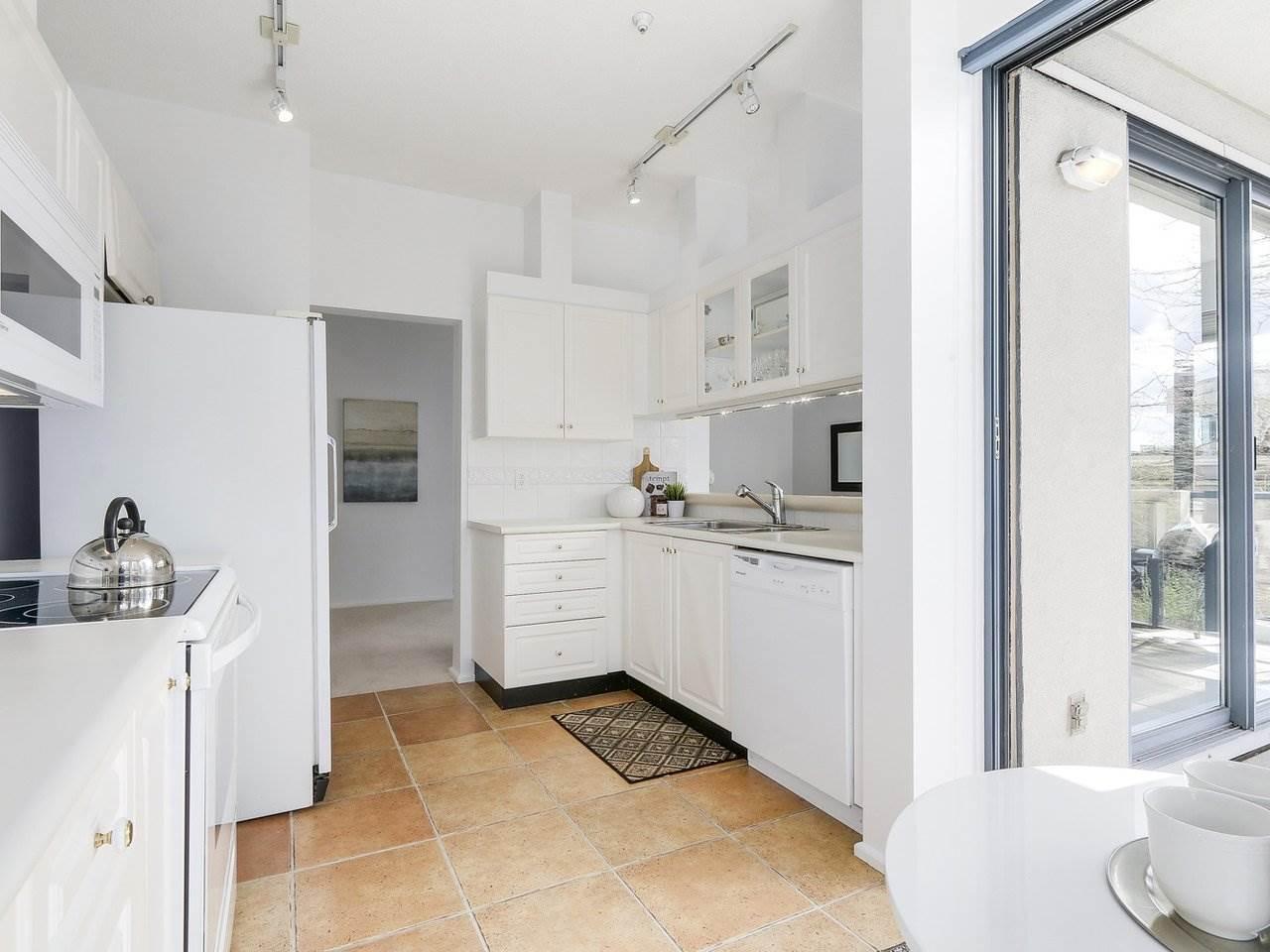 Condo Apartment at 301 2242 MARINE DRIVE, Unit 301, West Vancouver, British Columbia. Image 8