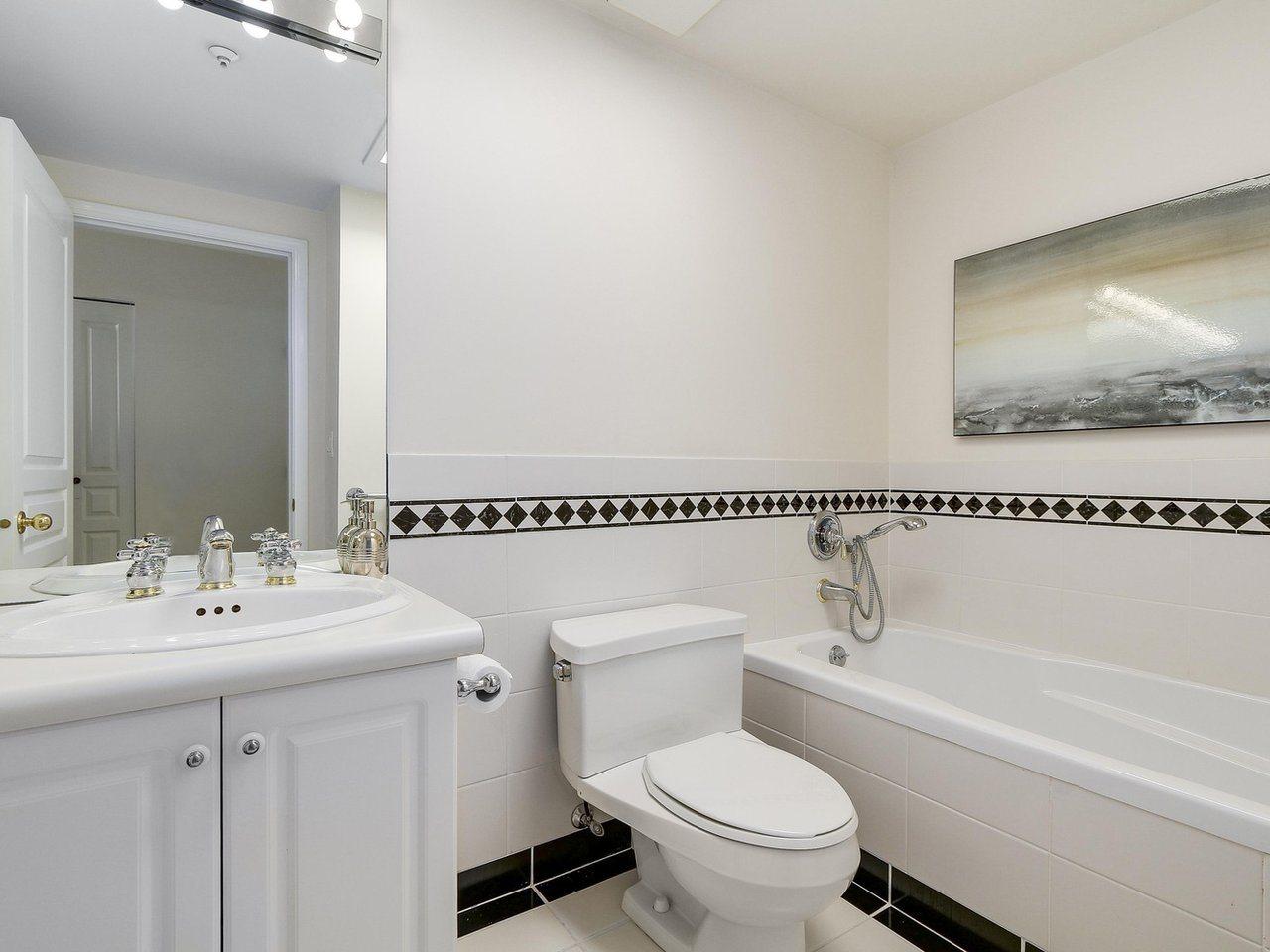 Condo Apartment at 301 2242 MARINE DRIVE, Unit 301, West Vancouver, British Columbia. Image 10