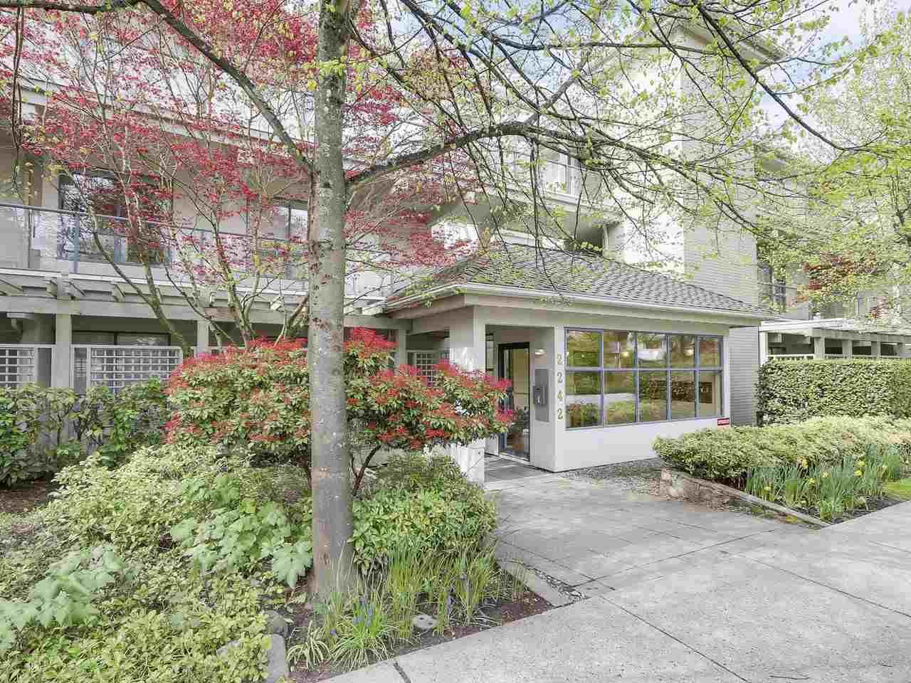 Condo Apartment at 301 2242 MARINE DRIVE, Unit 301, West Vancouver, British Columbia. Image 15