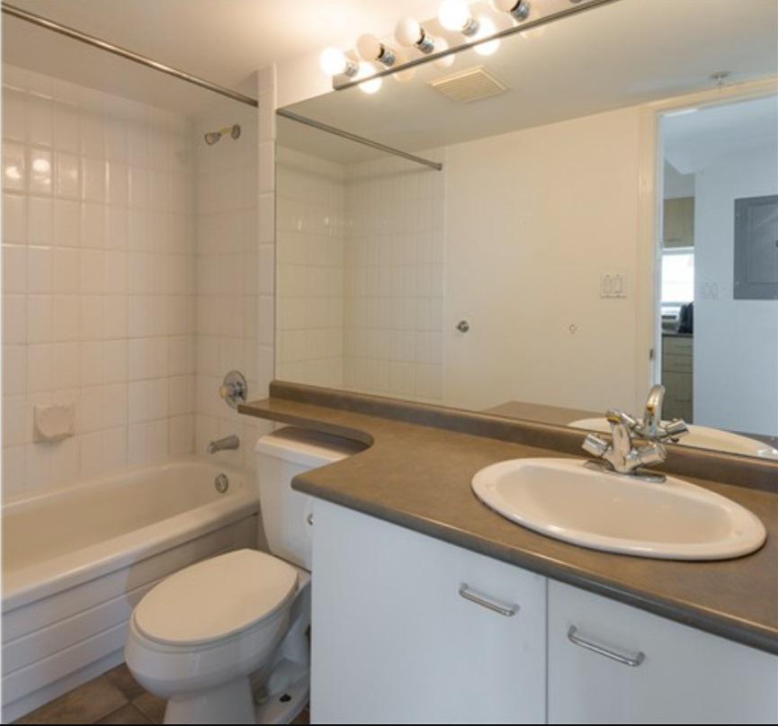 Condo Apartment at 305 1148 HEFFLEY CRESCENT, Unit 305, Coquitlam, British Columbia. Image 5