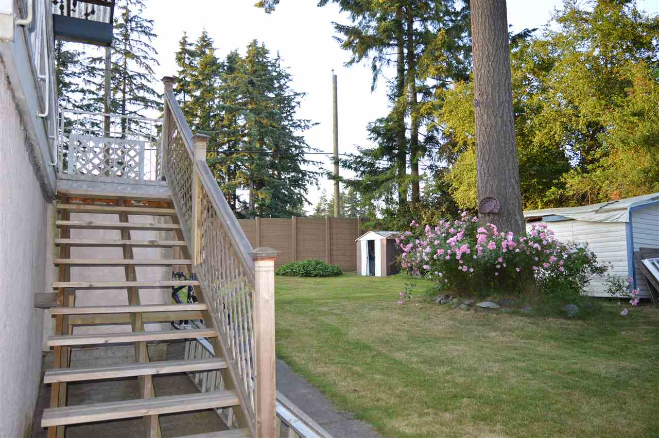 Detached at 5784 133 STREET, Surrey, British Columbia. Image 2