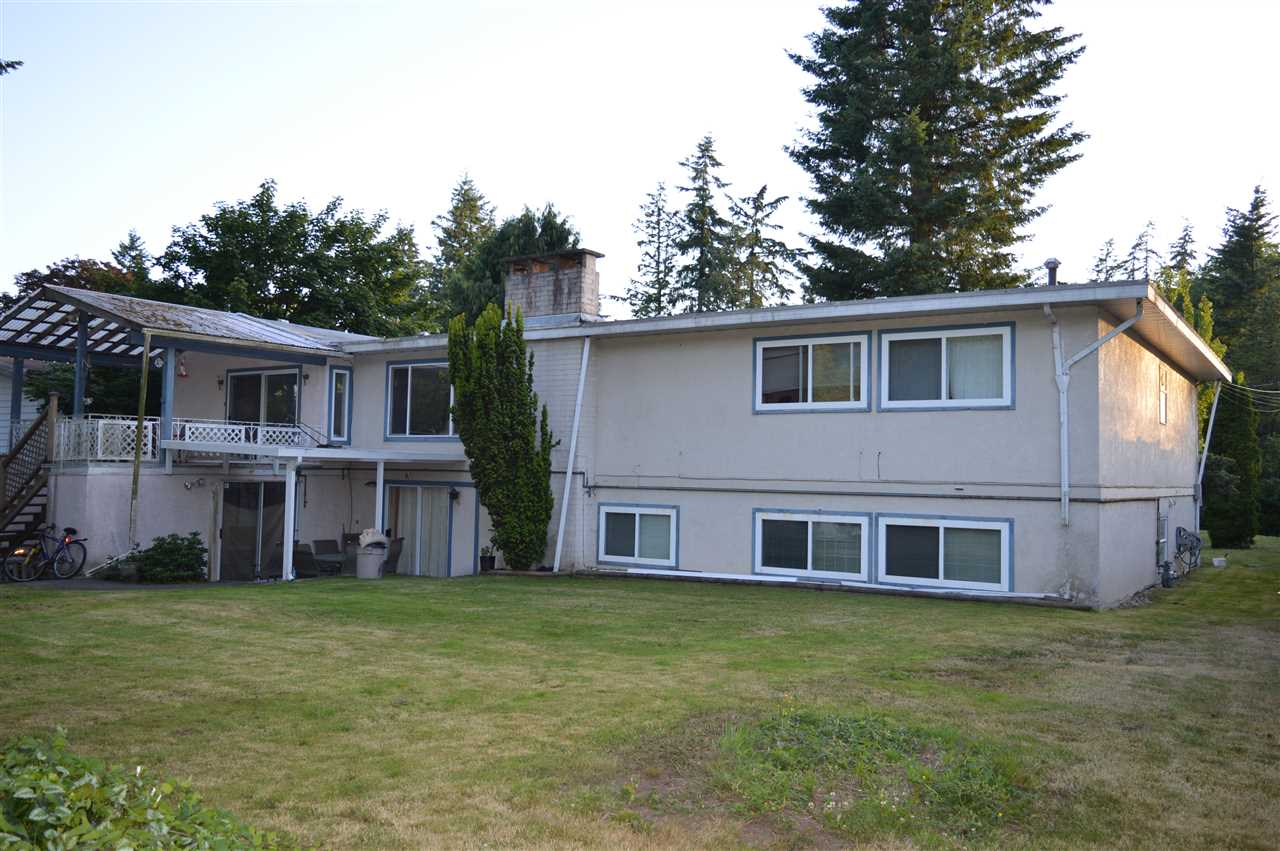 Detached at 5784 133 STREET, Surrey, British Columbia. Image 3
