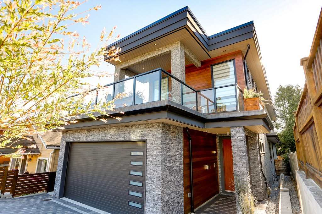 Detached at 959 LEE STREET, South Surrey White Rock, British Columbia. Image 2
