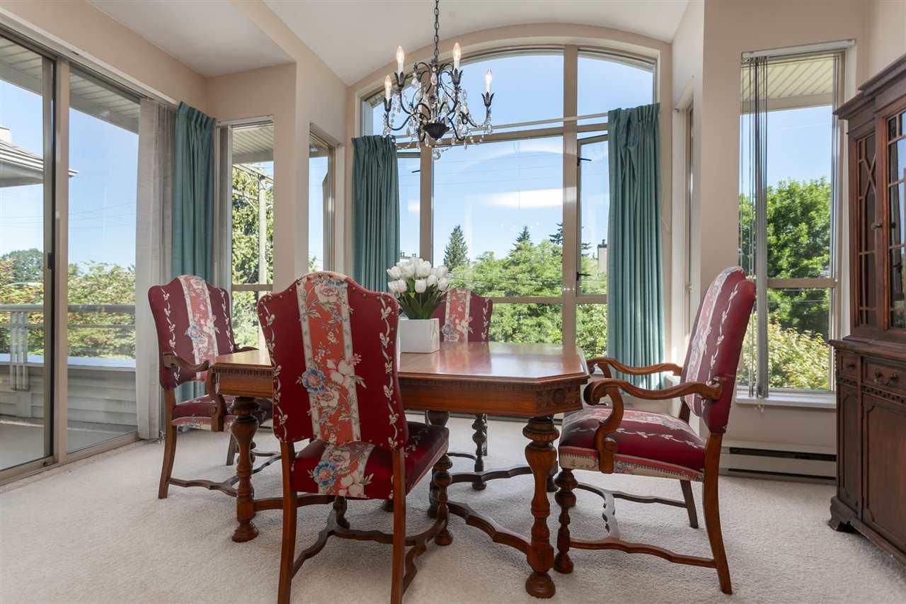Condo Apartment at PH303 3790 W 7TH AVENUE, Unit PH303, Vancouver West, British Columbia. Image 1