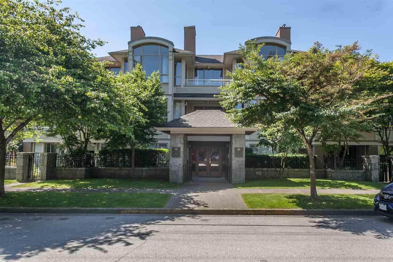 Condo Apartment at PH303 3790 W 7TH AVENUE, Unit PH303, Vancouver West, British Columbia. Image 2