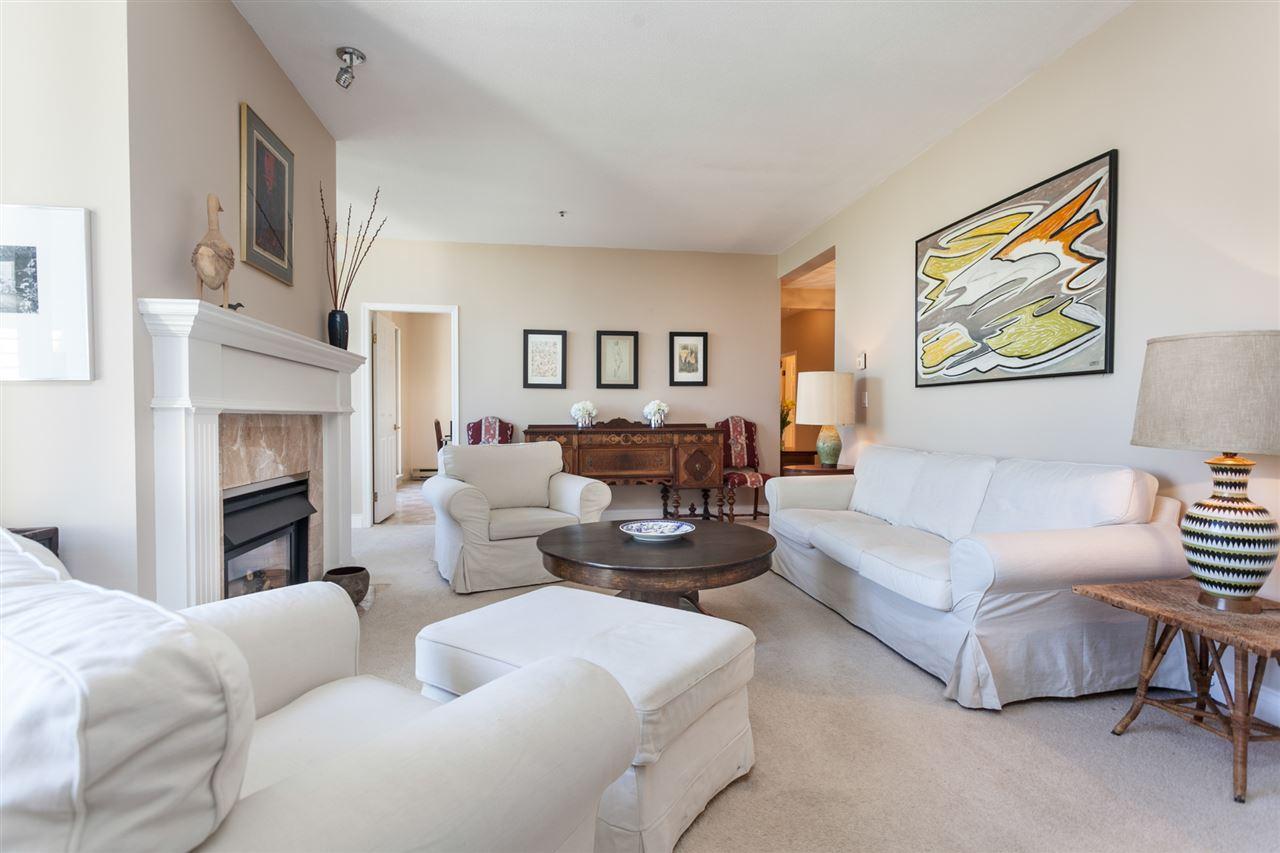 Condo Apartment at PH303 3790 W 7TH AVENUE, Unit PH303, Vancouver West, British Columbia. Image 9