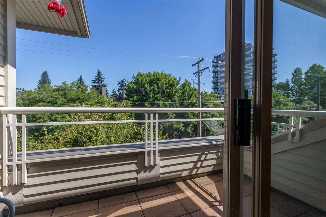 Condo Apartment at PH303 3790 W 7TH AVENUE, Unit PH303, Vancouver West, British Columbia. Image 13