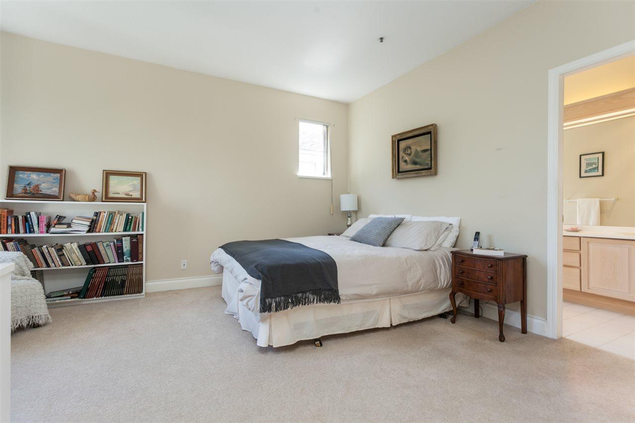 Condo Apartment at PH303 3790 W 7TH AVENUE, Unit PH303, Vancouver West, British Columbia. Image 14