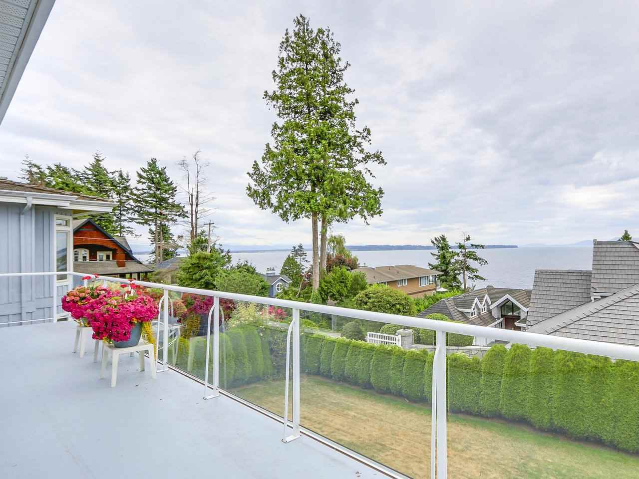 Detached at 1325 132B STREET, South Surrey White Rock, British Columbia. Image 8