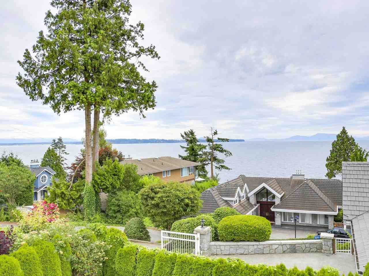 Detached at 1325 132B STREET, South Surrey White Rock, British Columbia. Image 9