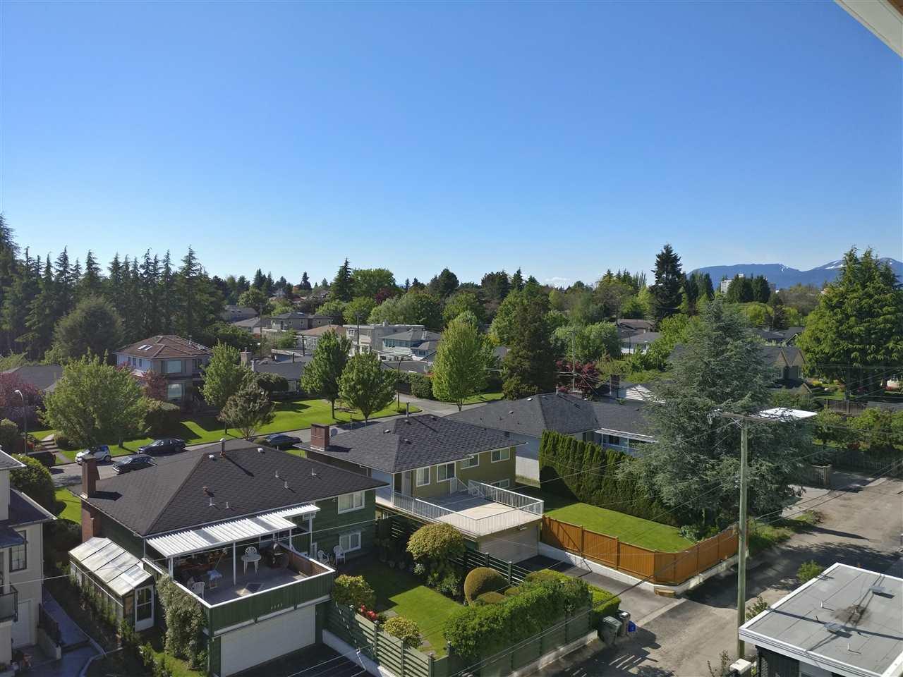 Condo Apartment at PH5 6677 CAMBIE STREET, Unit PH5, Vancouver West, British Columbia. Image 17