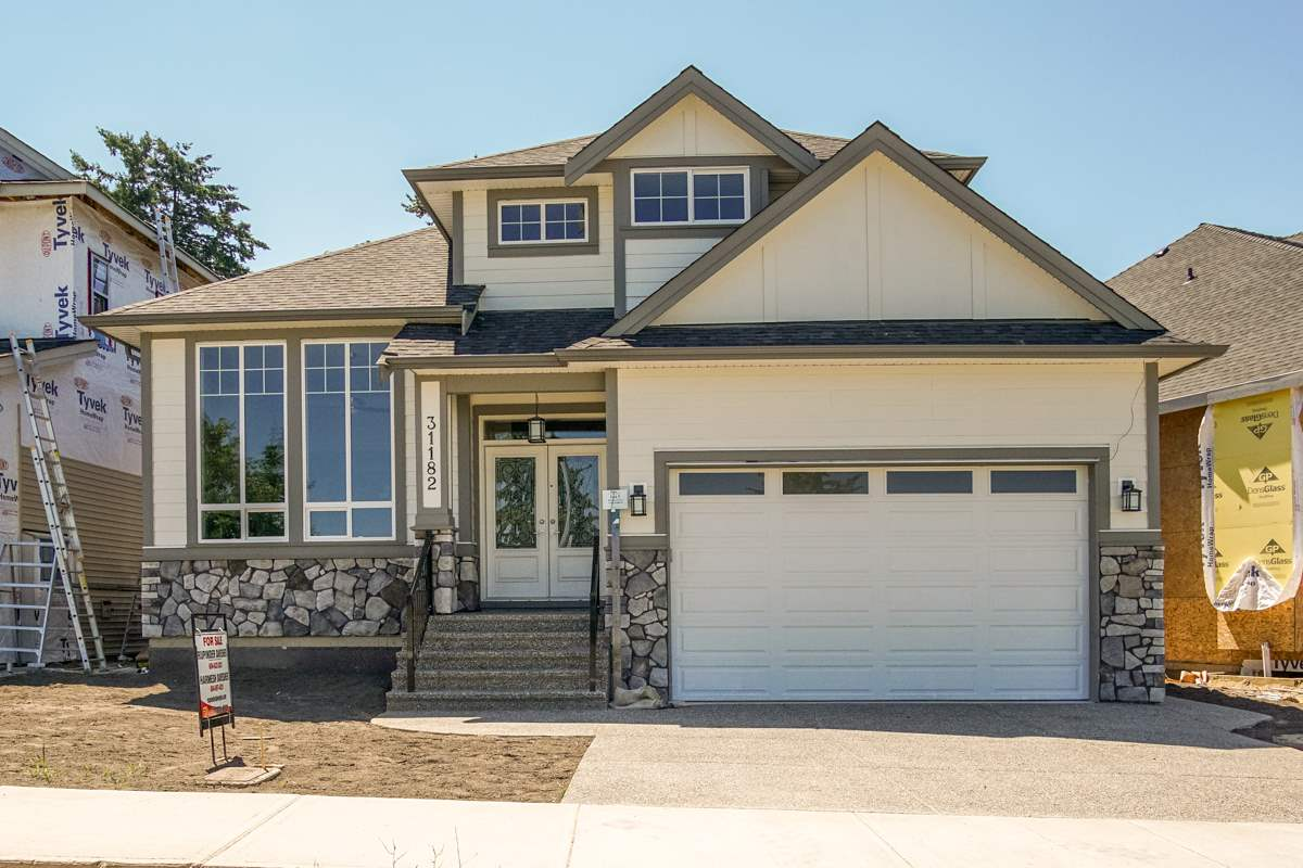 Detached at 31182 FIRHILL DRIVE, Abbotsford, British Columbia. Image 1