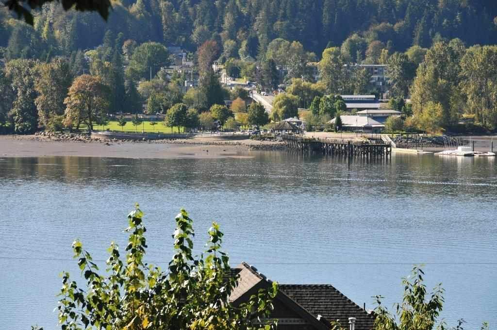 Detached at 672 IOCO ROAD, Port Moody, British Columbia. Image 3