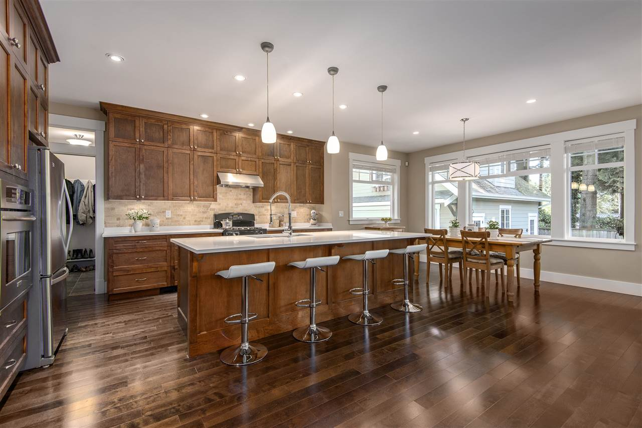 Detached at 13068 14A AVENUE, South Surrey White Rock, British Columbia. Image 8