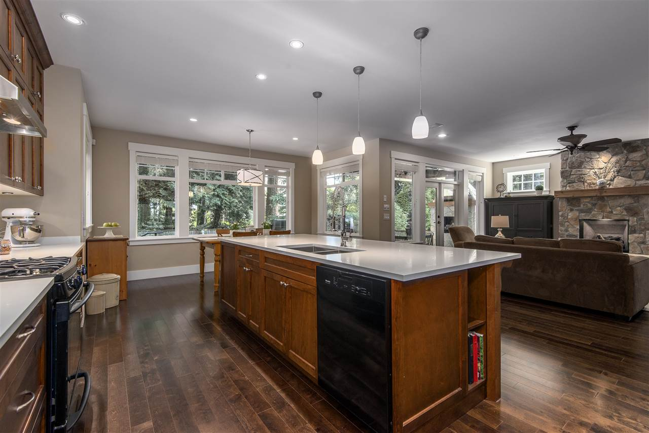 Detached at 13068 14A AVENUE, South Surrey White Rock, British Columbia. Image 9