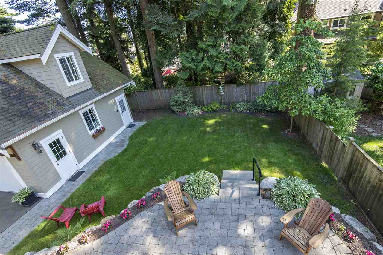 Detached at 13068 14A AVENUE, South Surrey White Rock, British Columbia. Image 17
