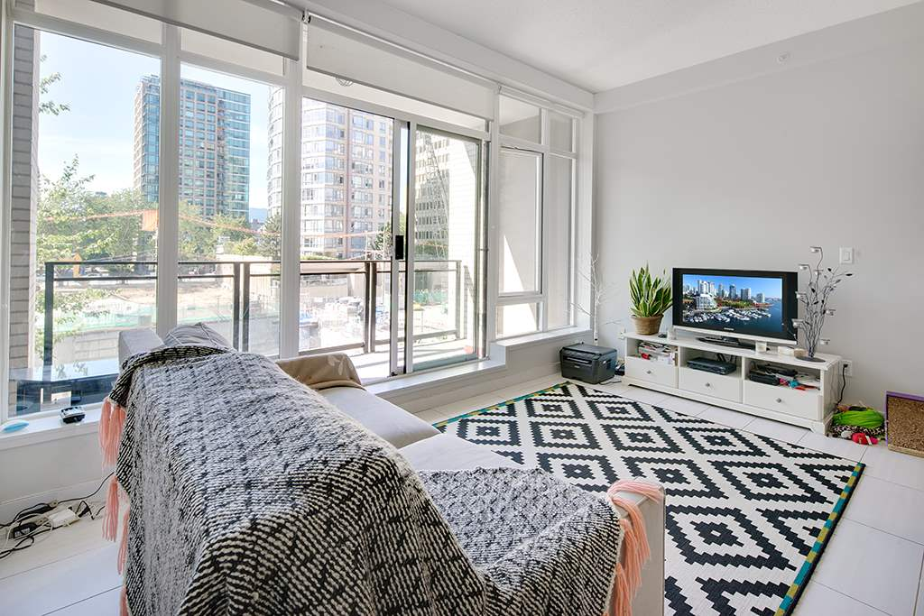 Condo Apartment at 406 1252 HORNBY STREET, Unit 406, Vancouver West, British Columbia. Image 3