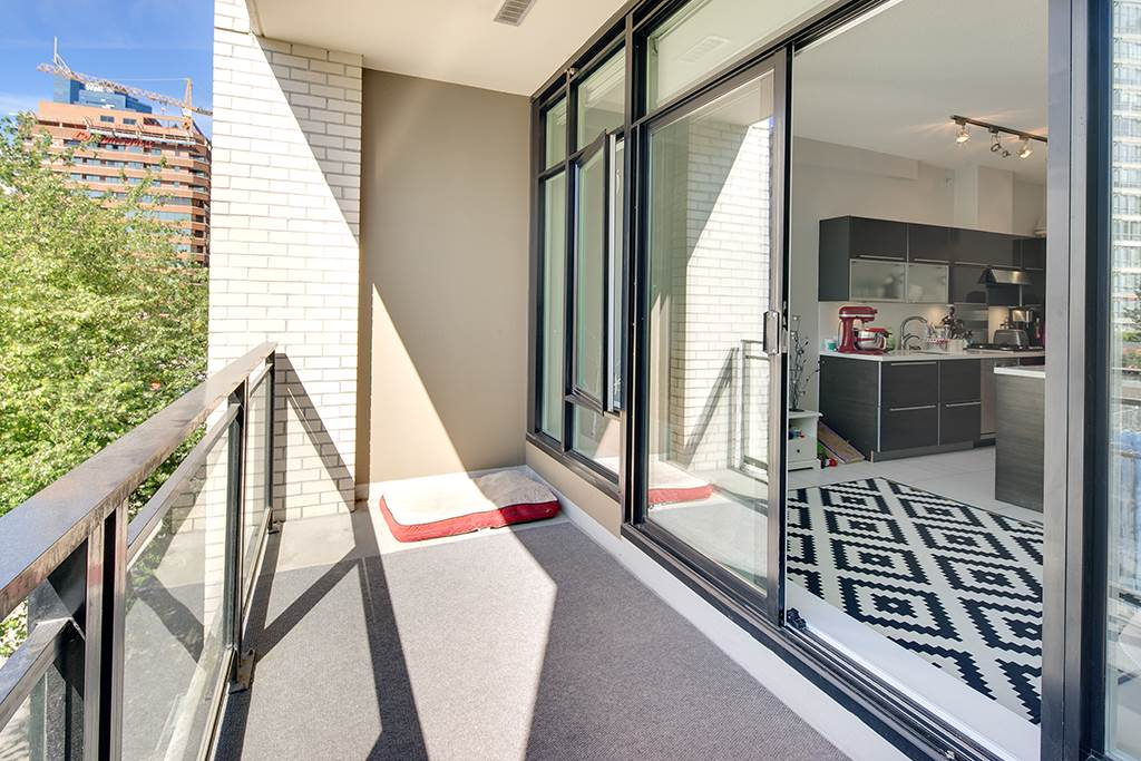 Condo Apartment at 406 1252 HORNBY STREET, Unit 406, Vancouver West, British Columbia. Image 4