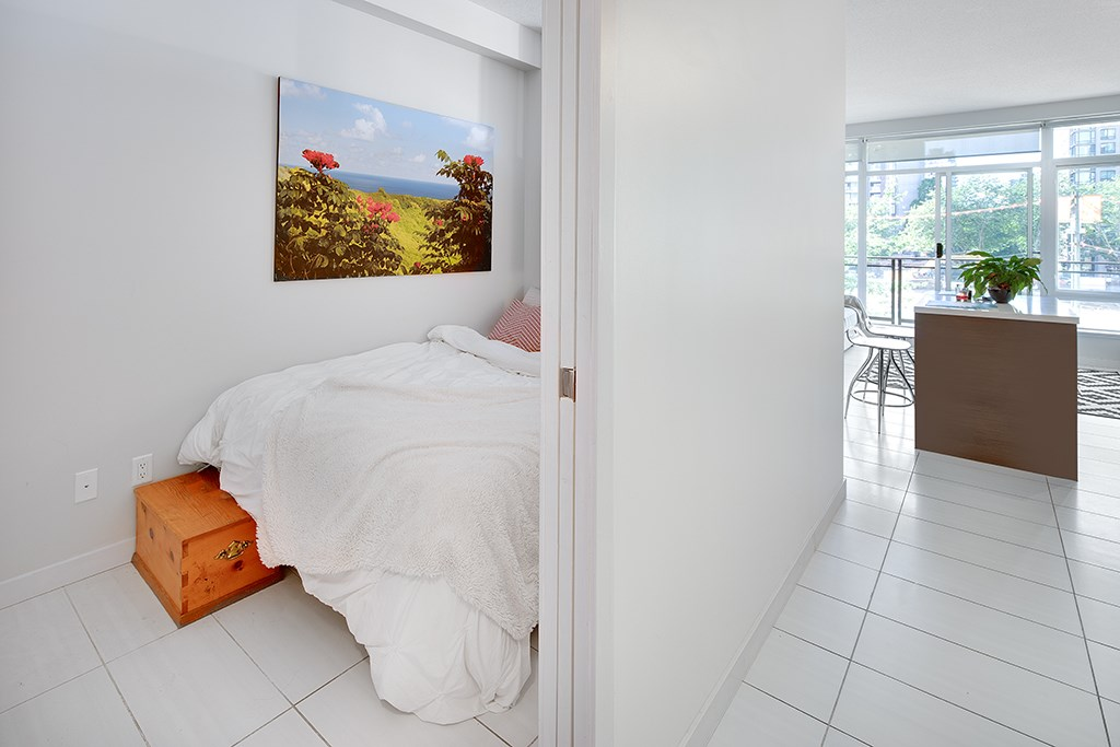 Condo Apartment at 406 1252 HORNBY STREET, Unit 406, Vancouver West, British Columbia. Image 13