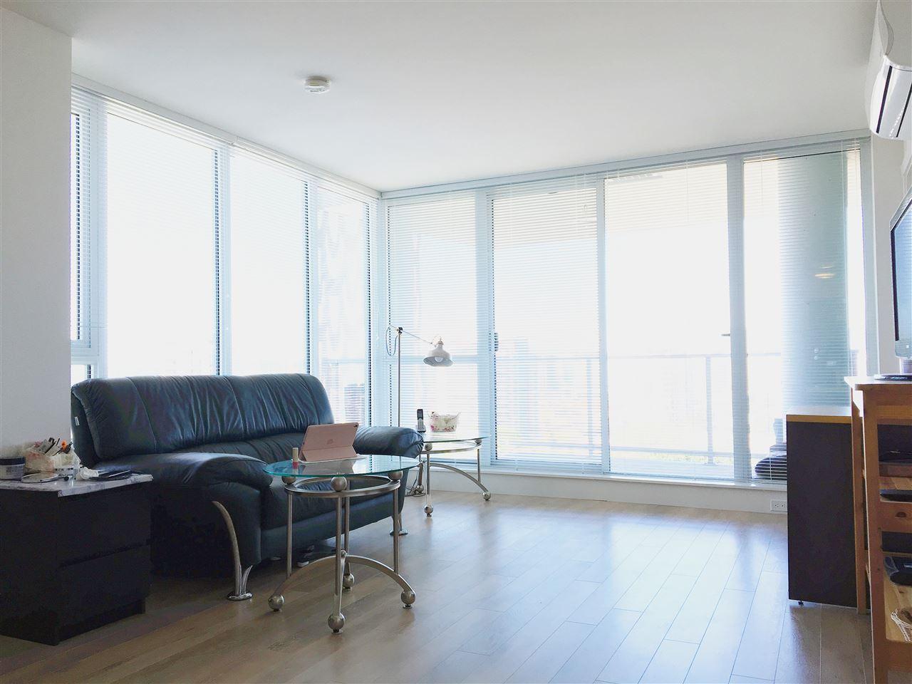 Condo Apartment at 1608 8288 GRANVILLE AVENUE, Unit 1608, Richmond, British Columbia. Image 4