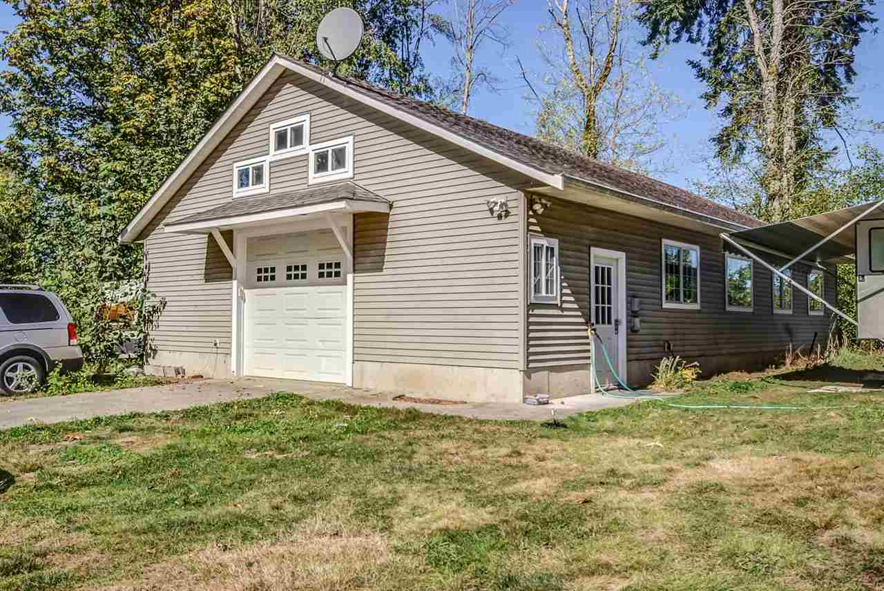 Detached at 26769 64 AVENUE, Langley, British Columbia. Image 5