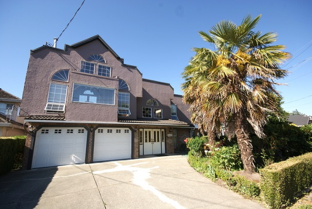 Detached at 9431 PATTERSON ROAD, Richmond, British Columbia. Image 1