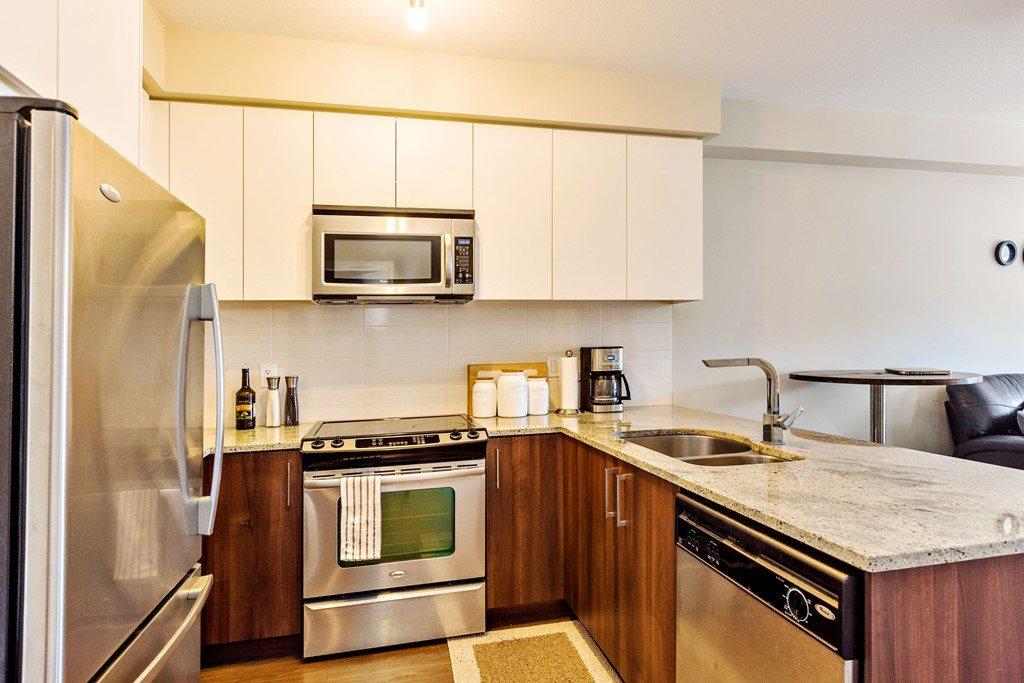 Condo Apartment at 508 6460 194 STREET, Unit 508, Cloverdale, British Columbia. Image 6