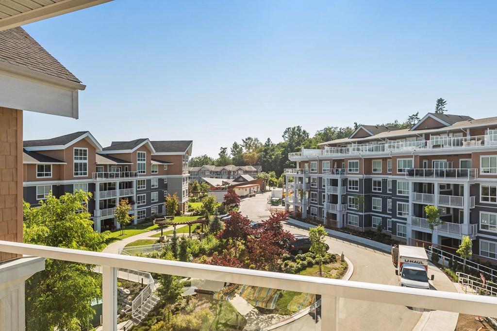 Condo Apartment at 508 6460 194 STREET, Unit 508, Cloverdale, British Columbia. Image 12