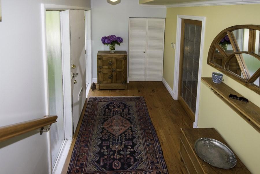 Detached at 8640 FAIRFAX CRESCENT, Richmond, British Columbia. Image 3