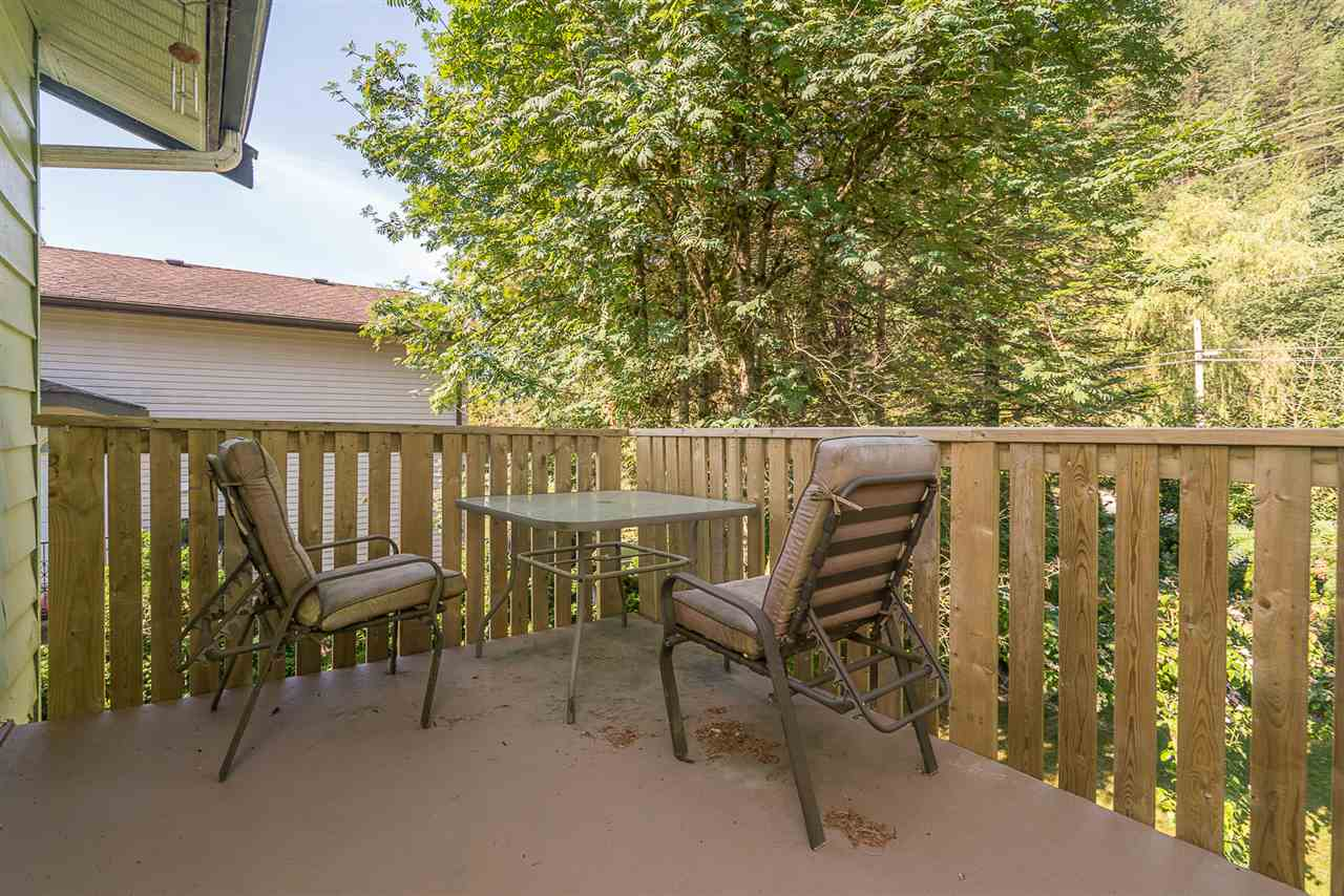 Detached at 830 RAMONA PLACE, Harrison Hot Springs, British Columbia. Image 17