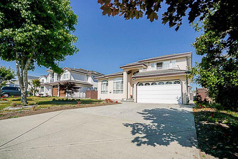 Detached at 6470 121A STREET, Surrey, British Columbia. Image 2