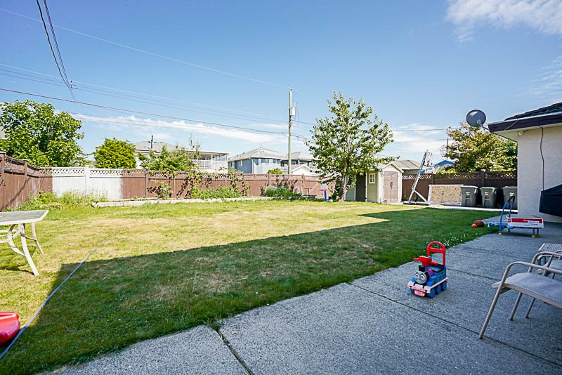 Detached at 6470 121A STREET, Surrey, British Columbia. Image 19