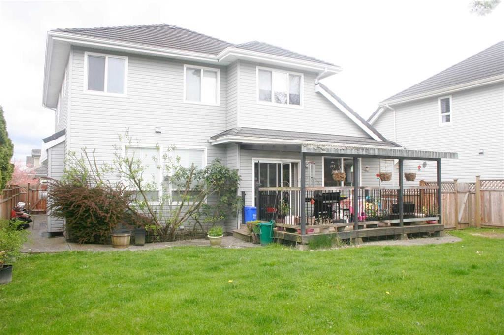 Detached at 7325 146A STREET, Surrey, British Columbia. Image 4