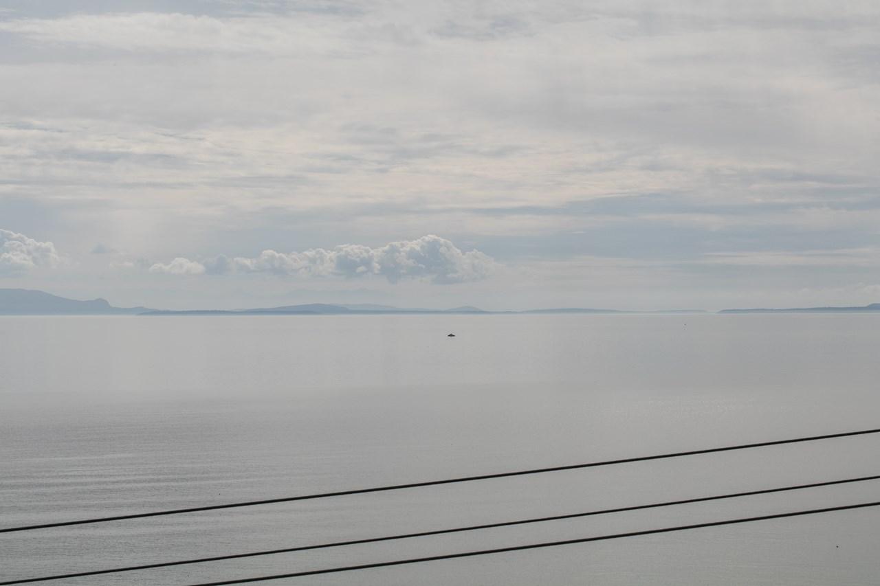 Detached at 14283 MARINE DRIVE, South Surrey White Rock, British Columbia. Image 20