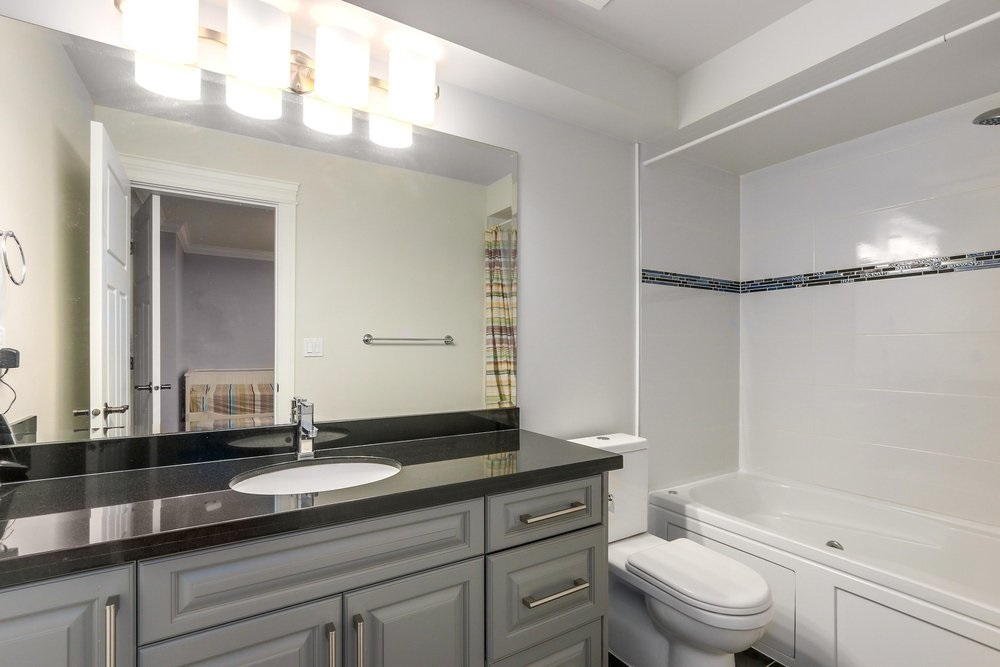 Townhouse at 2511 W 7TH AVENUE, Vancouver West, British Columbia. Image 20